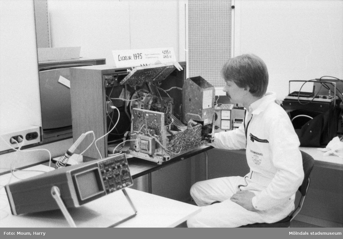 Invigning av Seth's Antenn & TV Service AB i Lindome, år 1985.  För mer information om bilden se under tilläggsinformation.