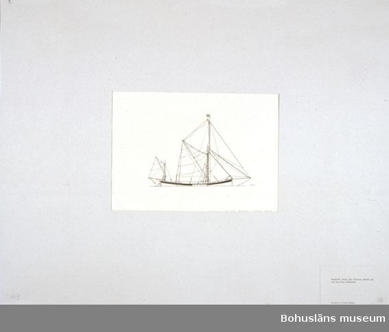 Montering/ram: Passepartout av tunn grå kartong; 55 x 66 cm, Segelpråm, barge, från Themsen, gammal typ, som finns kvar oförändrad. Övrig historik se UM72.26.001.