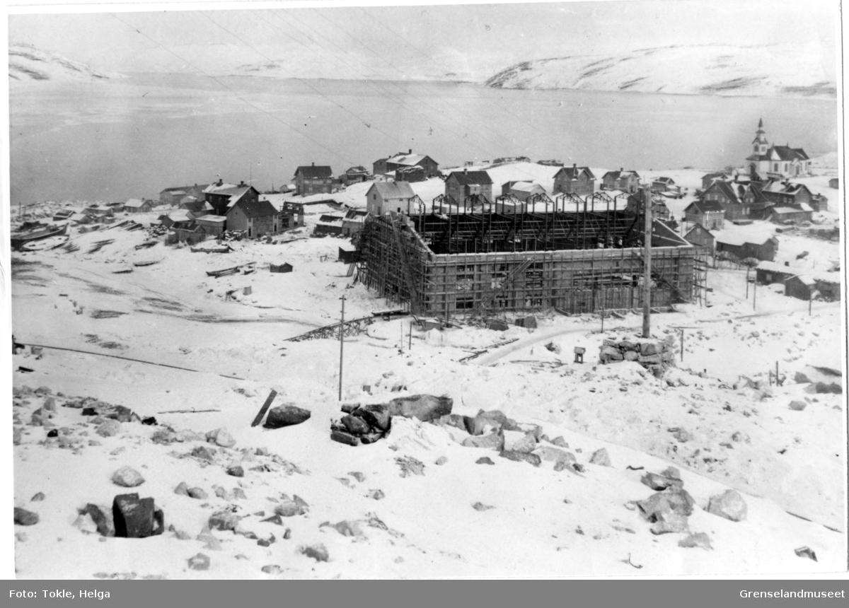 Kirkenes 1909 Dampsentralen under bygging
