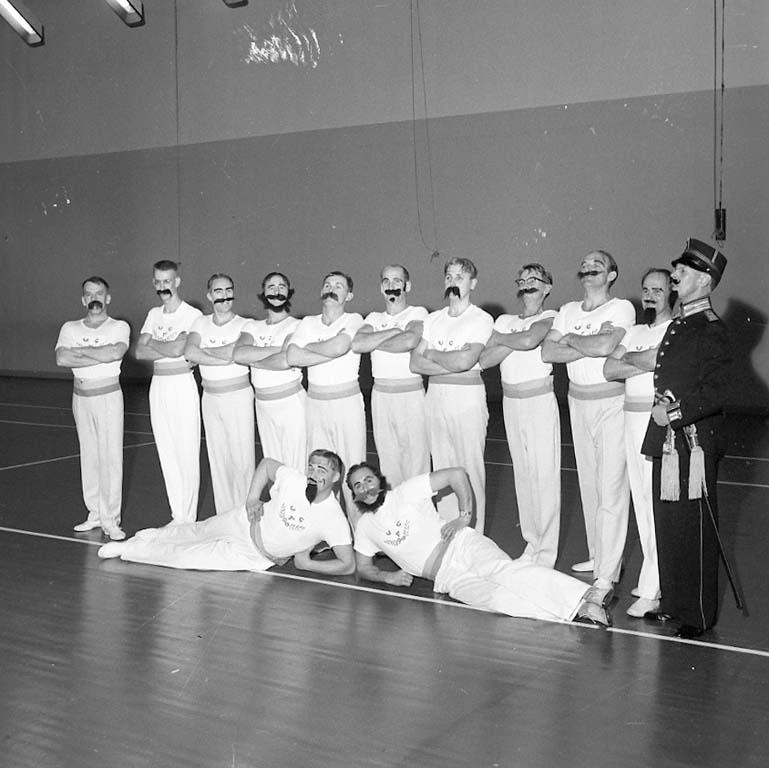 """Enligt notering: """"Gymnastikjubileum Dec 1960""""."""