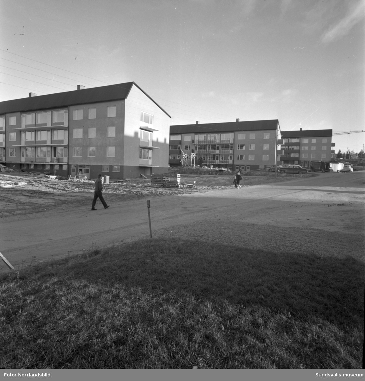 Bygge av flerfamiljshus vid Färjevägen på Alnö.