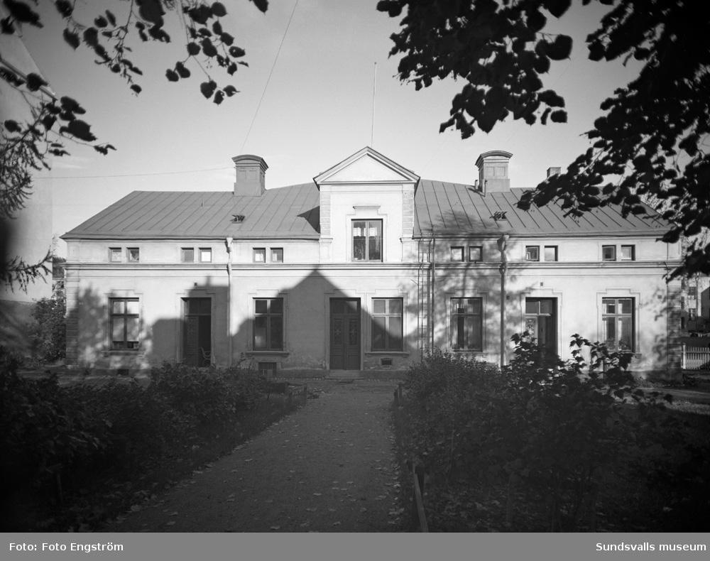 En av byggnaderna som tillhörde stiftelsen Borgarhemmet. Uppfört 1925. Ett äldreboende som drevs av Hantverksföreningen i staden.