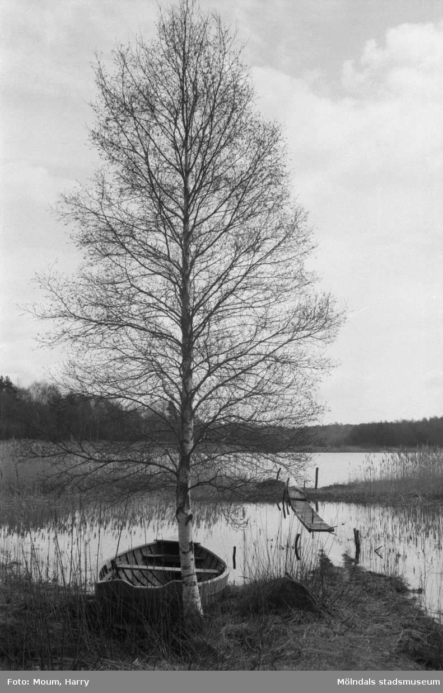 Vy från Mellsjö i Sandsjöbacka, år 1985.  För mer information om bilden se under tilläggsinformation.