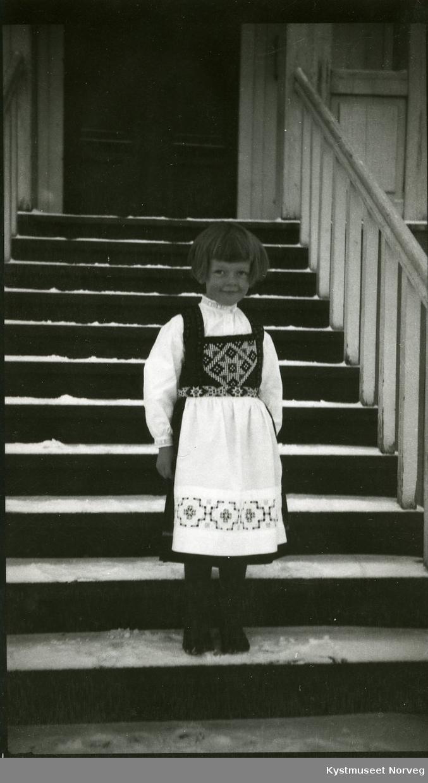 Kirsten Svendsgaard i nasjonaldrakt