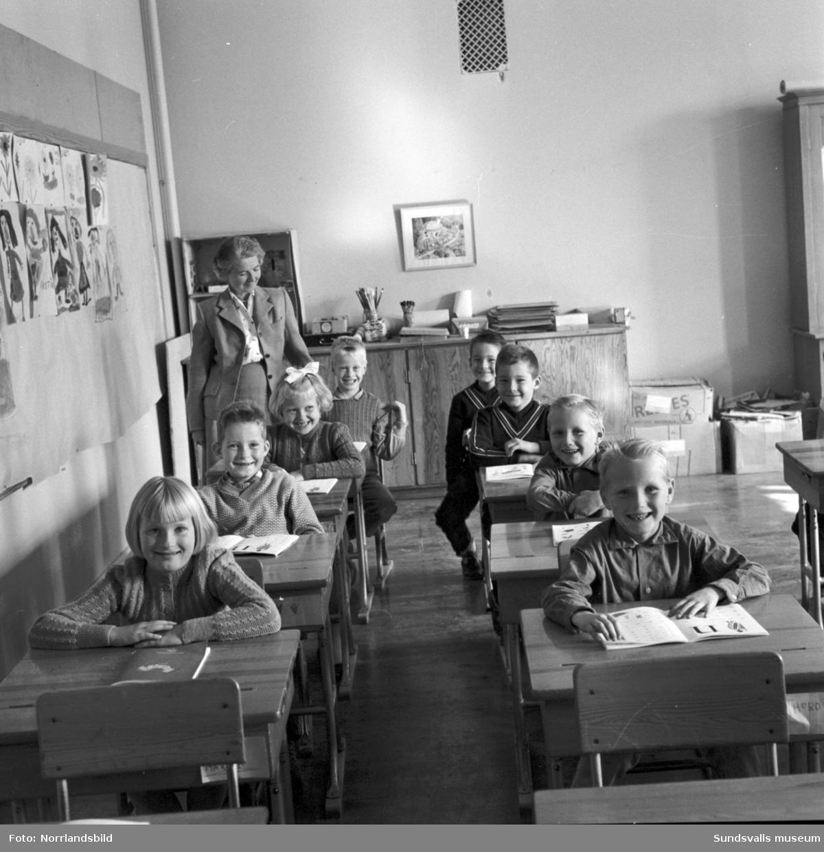 Fyra tvillingpar vid Böle skola.