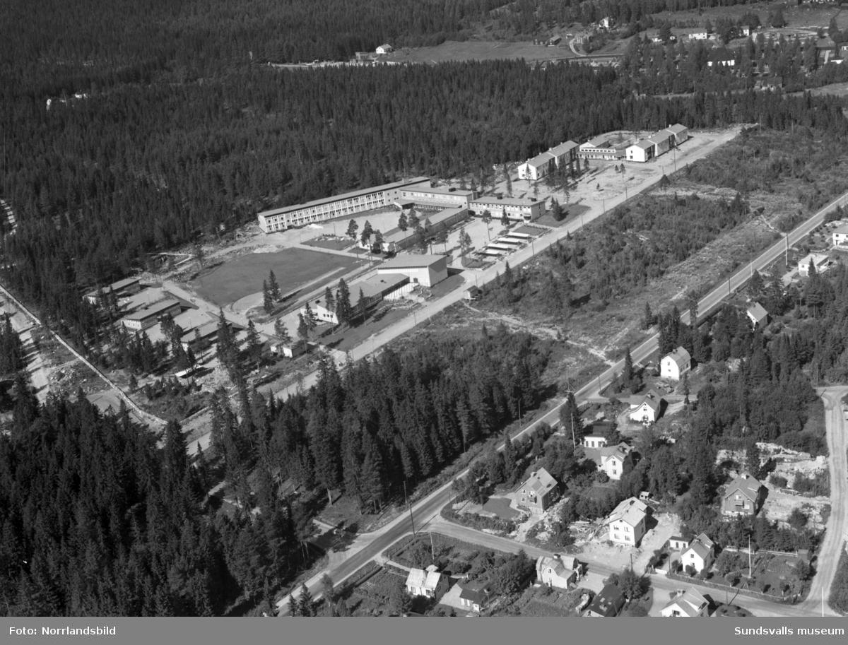 Flygfoton över Hagaskolan och Solhaga ålderdomshem.