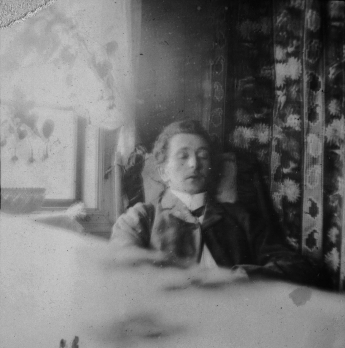 En sovende gjest 'Fossestuen' 1908.