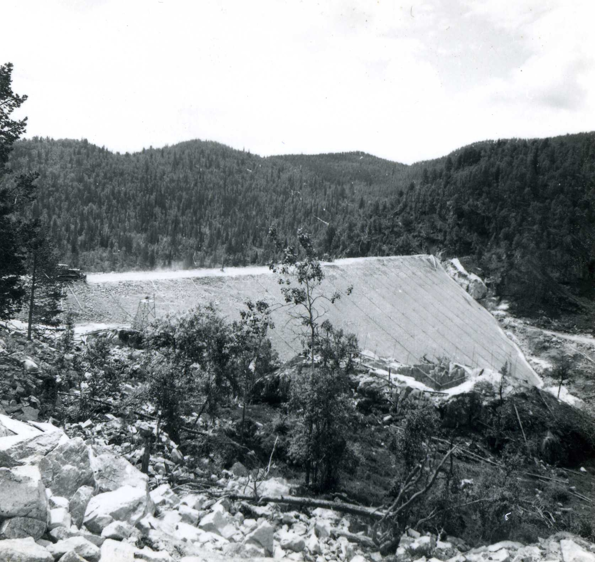 Venemo 143, juli 1963