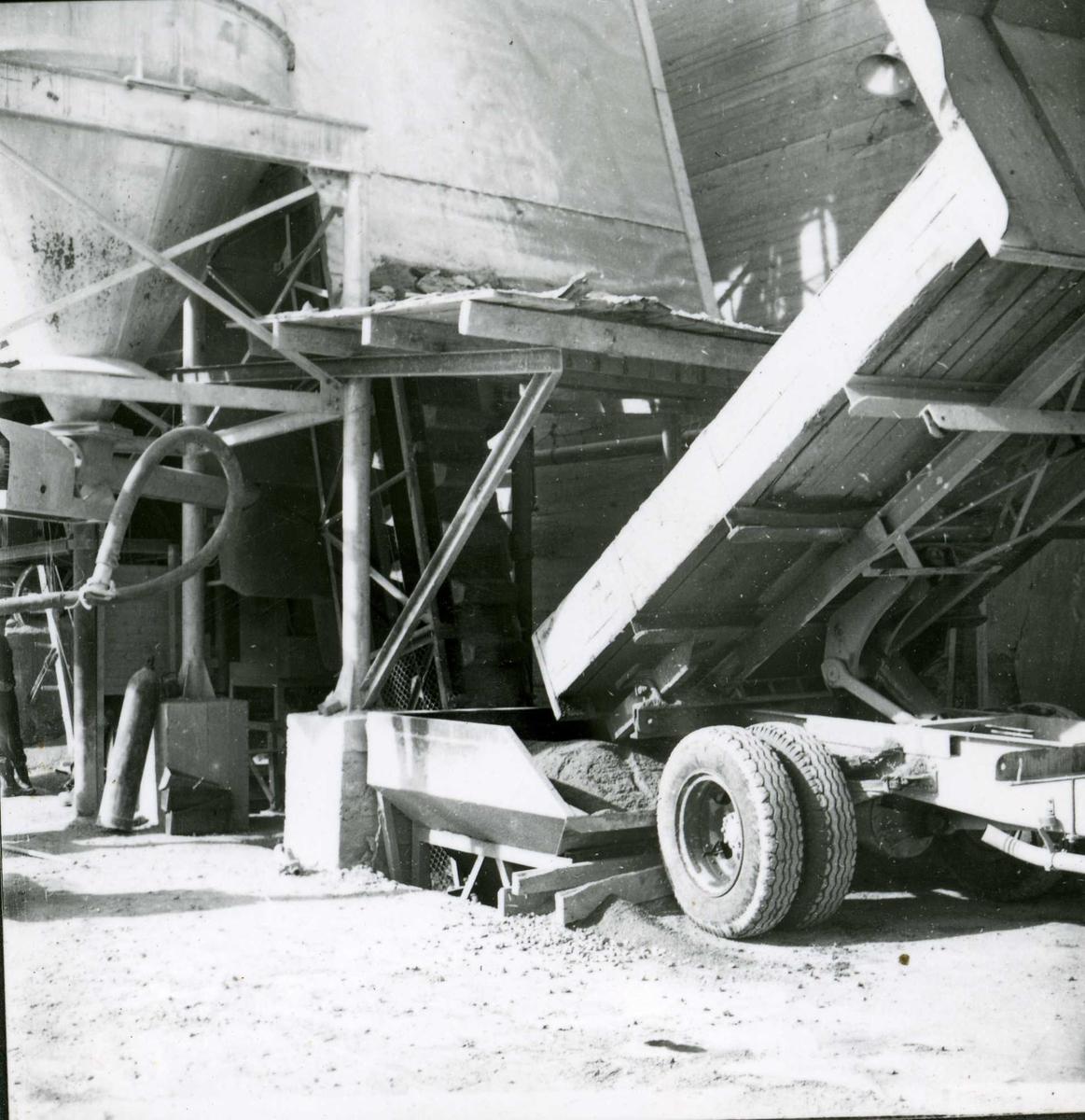 Dalen 16, betong, mai 58