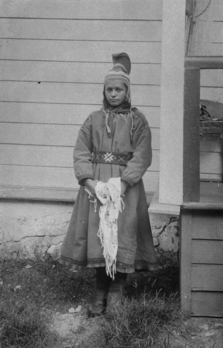 Ung samisk kvinne fra Sandnes i Sør-Varanger