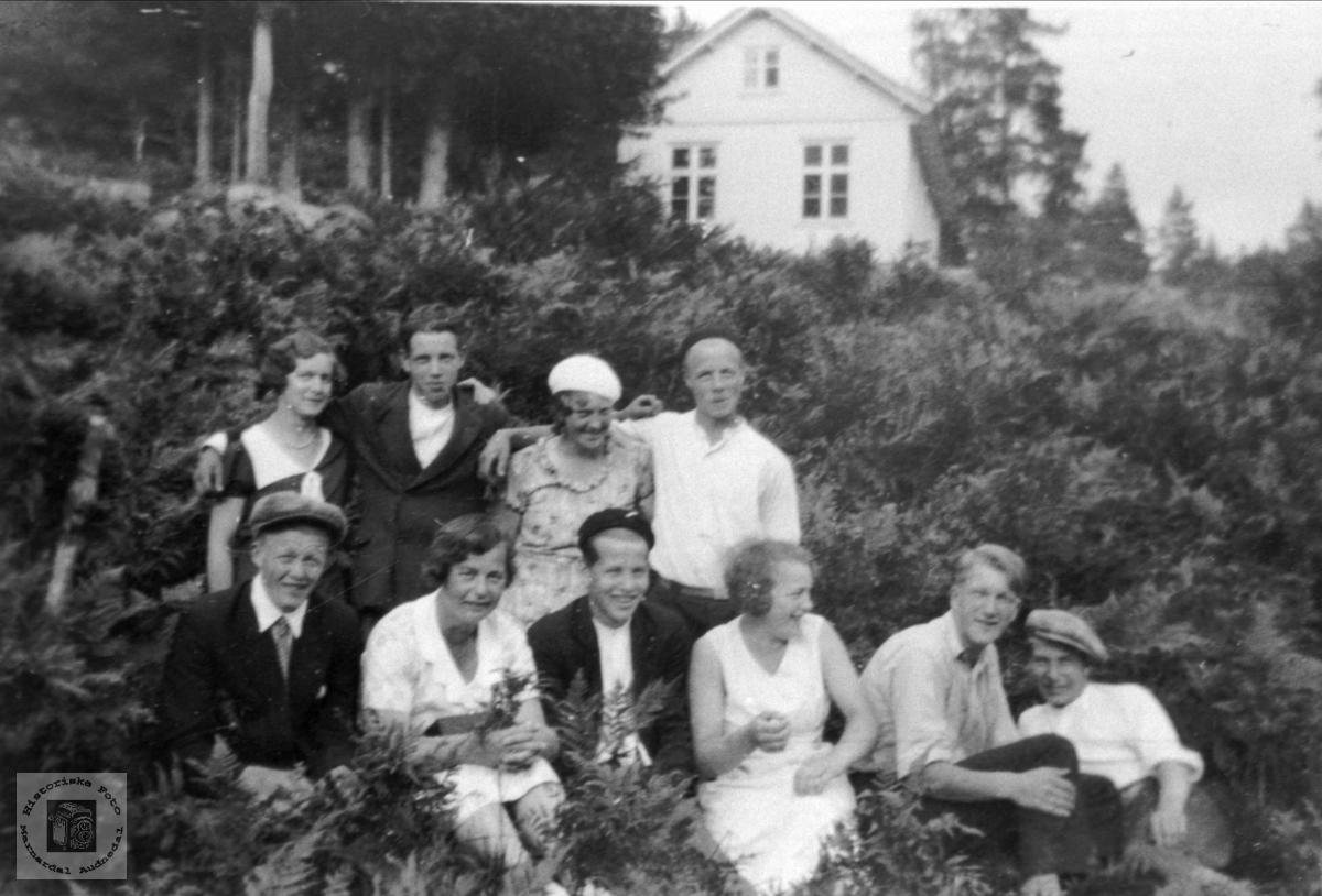 Ungdom på Brusletta, Bjelland