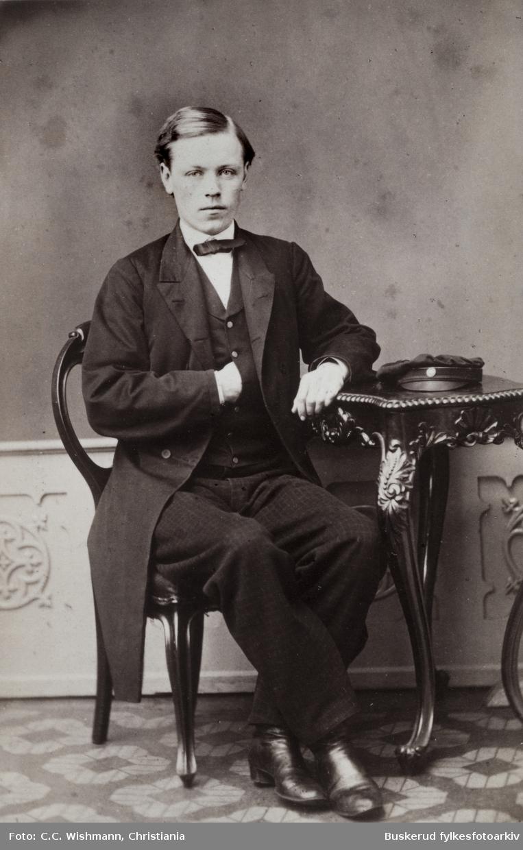 Stud. Theol K. Vold 1864 Huslærer i Nes i1859-1860  Visittkortalbum fra JKK Brockmannog Elisa og O.P. Moe