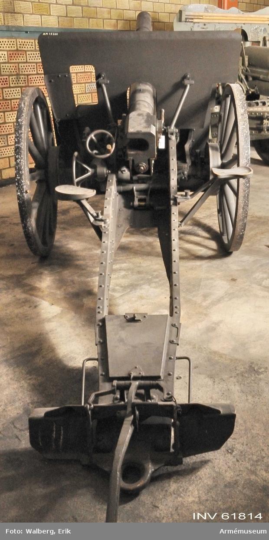 Grupp F I.                                                     Försökslavett. Lavetten delvis tillverkad av lavett till 7 cm kanon m/1902.