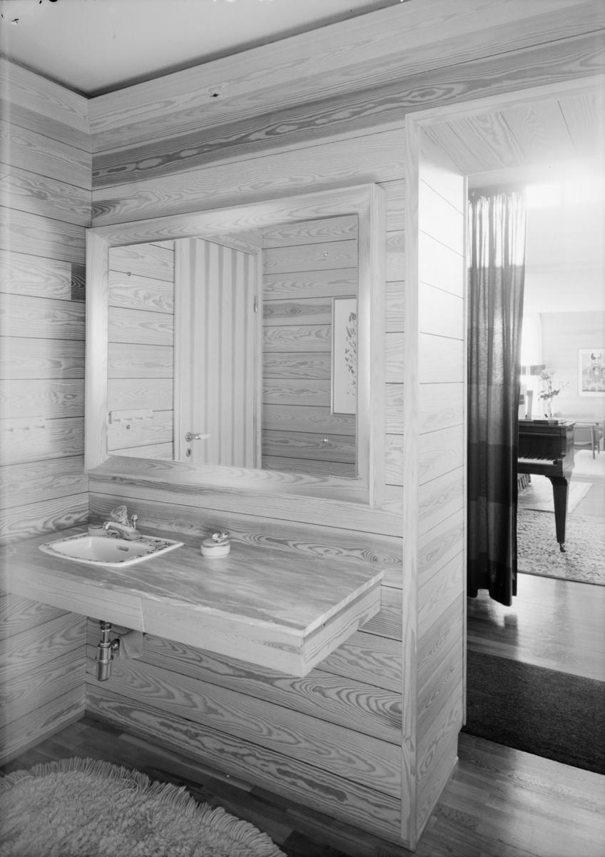 Arkitekturfoto av villa i Sande. Interiør fra bad.