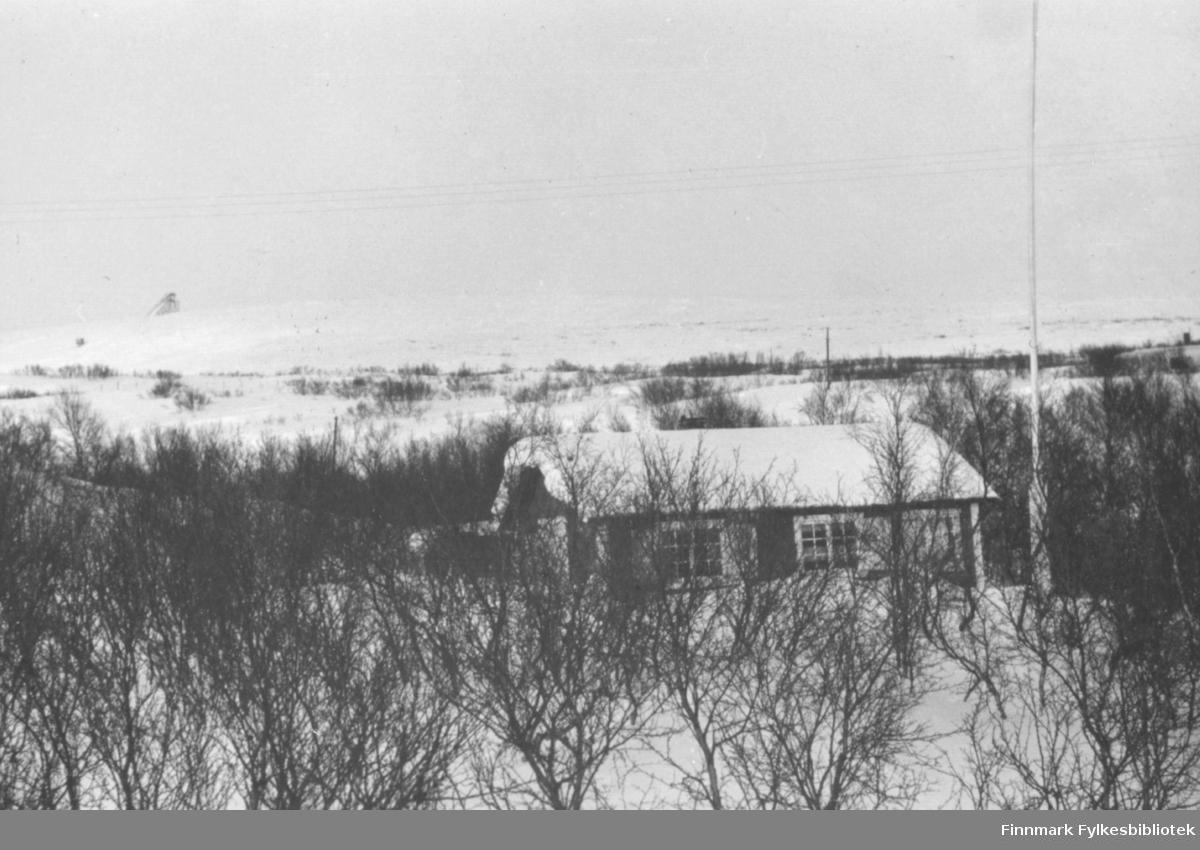 Søsterhytta i Tomaselvdalen fotografert om vinteren