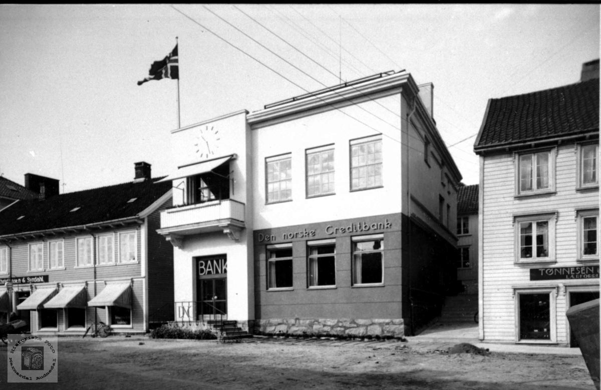 Bygning. Den norske Creditbank i Mandal.