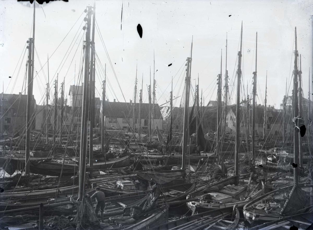 Sildebåter - Havnemiljø.