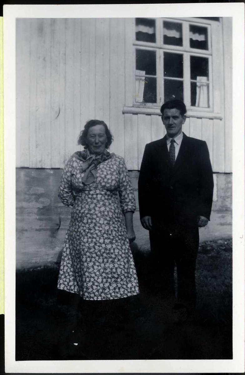 Oluffa Hansen (født Froan) og Kristoffer Hansen, Hognfjord.