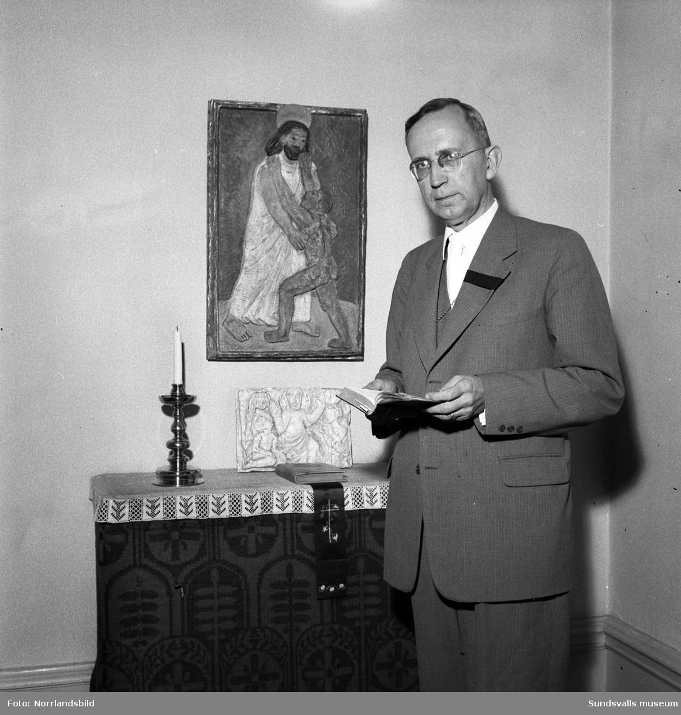 Nyvalde ärkebiskop Gunnar Hultgren i sitt hem i Härnösand.