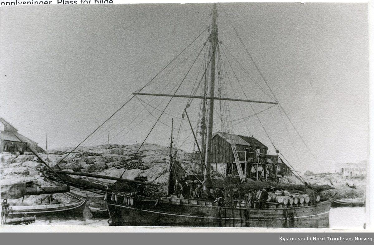 "Sigvart Fossaa`s båt ""Brødrene"" i Sør-Gjæslingan"