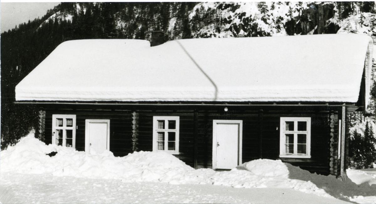 Hølera bedehus. Oppsatt rundt 1910.