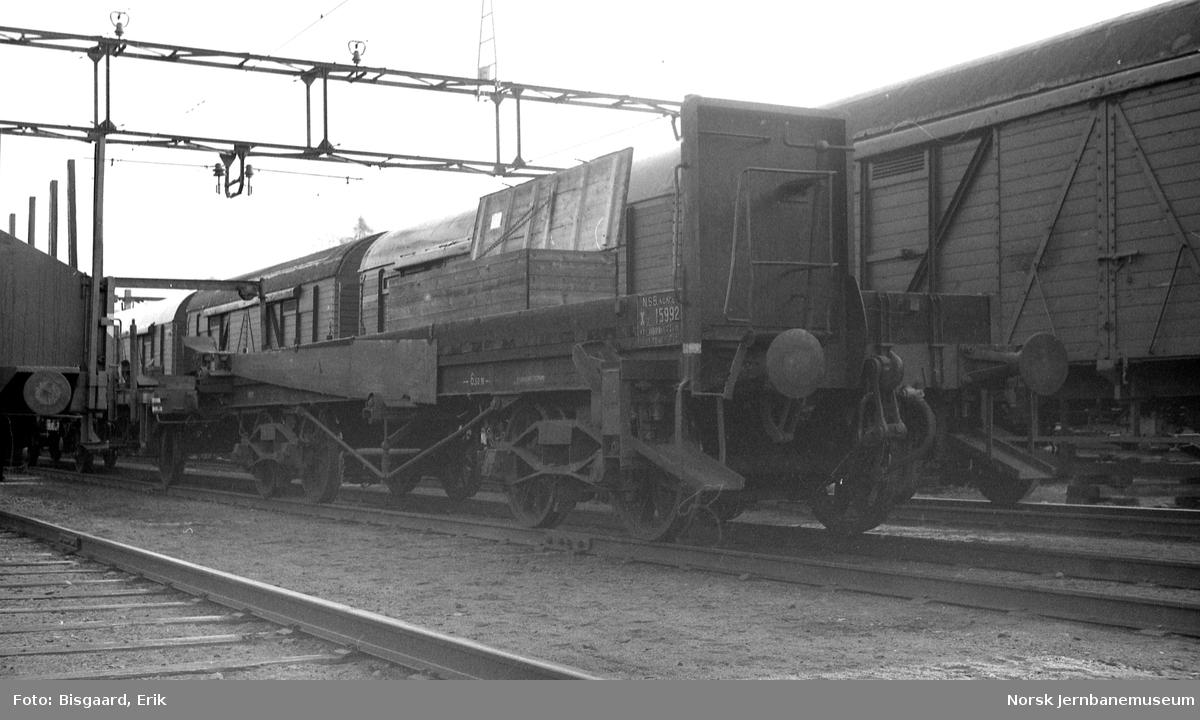 Skinneutkjøringsvogn litra Xo nr. 15992 på Ski stasjon