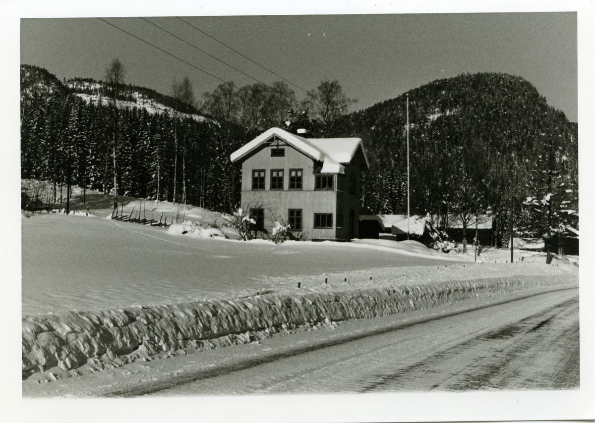 Garthus skole, Sør-Aurdal i Valdres. Dette er nå et bygdehus og blir også kalt Seltun/Soltun.