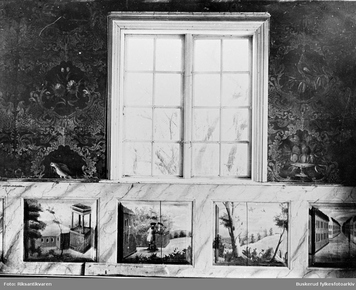 Vaker gård, Norderhov Fra Aadnes stuen, 1700 talls