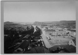 Bild 1. Utsikt från Tornet. Uddevalla, mot väster år 1877. T