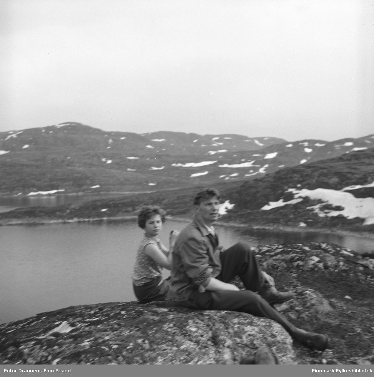 Turid lillian og Eino Drannem på fjelltur i Hammerfest