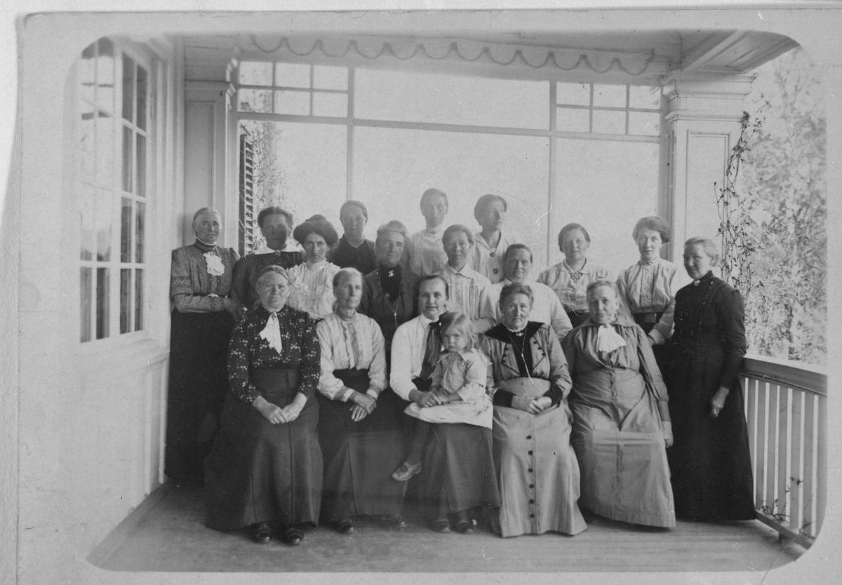 Ytre  Enebakk Misjonsforening på Bjerke 1919.