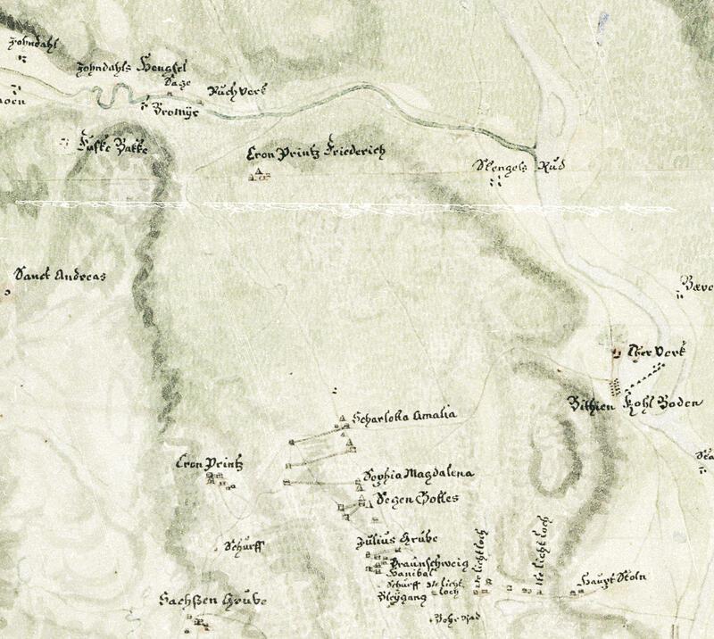 Utsnitt av kartet fra 1746 som viser nordlige del av gruvefeltene Underberget og Overberget opp til Jondalen med hengsle, sag og pukkverk ved Bromyr. T.h. Bikjenn hengsle i Lågen, kullebunn og tjæreverk. (P.F. von Langen, Norsk Bergverksmuseum KS II A VIII 28) (Foto/Photo)