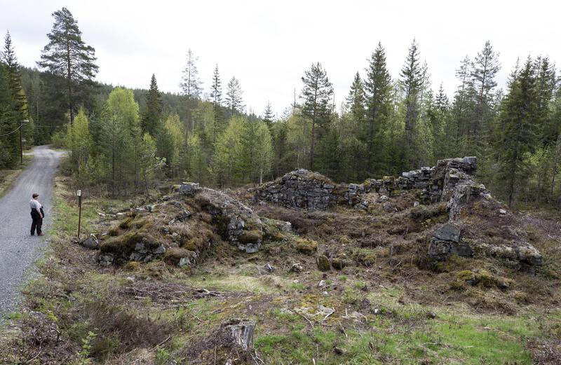 Juels gruves dobbelte kunsthjulstue, bygd ca. 1720 (4). De to vannhjulene fikk driftsvann fra hver sin rennestrekning, sørfra og nordfra. (Foto/Photo)