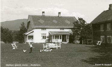 Gjefsen gård og pensjonat, Gran. Foto: K. Deinboll/Randsfjordmuseet. (Foto/Photo)