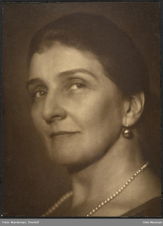 portrett, kvinne, skuespiller, sceneinstruktør, brystbilde