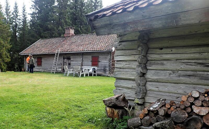 Setermiljøet Nordre Lomsdalssetra langs Lomsdalsvassdraget i Søndre Land. Foto: Lars Stålegård (Foto/Photo)