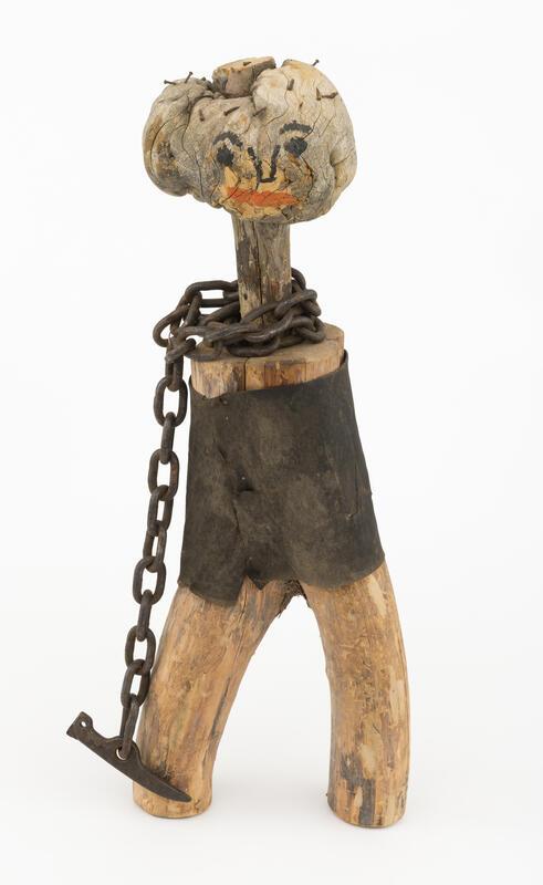 Maskot. Menneskeliknende figur, i hovedsak lagd av tre. (Foto/Photo)