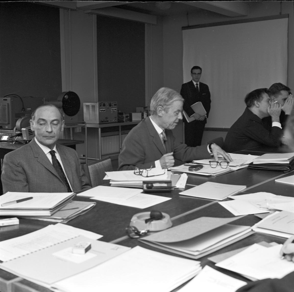 Institutet för högspänningsforskning, internationell åskexpertis, Uppsala 1964