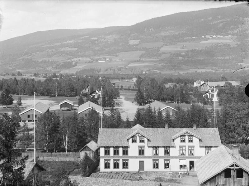 Grand Hotel, Jørstadmoen, Lillehammer, ca. 1900-20. Foto: Edvard Grønlien/Maihaugen. (Foto/Photo)