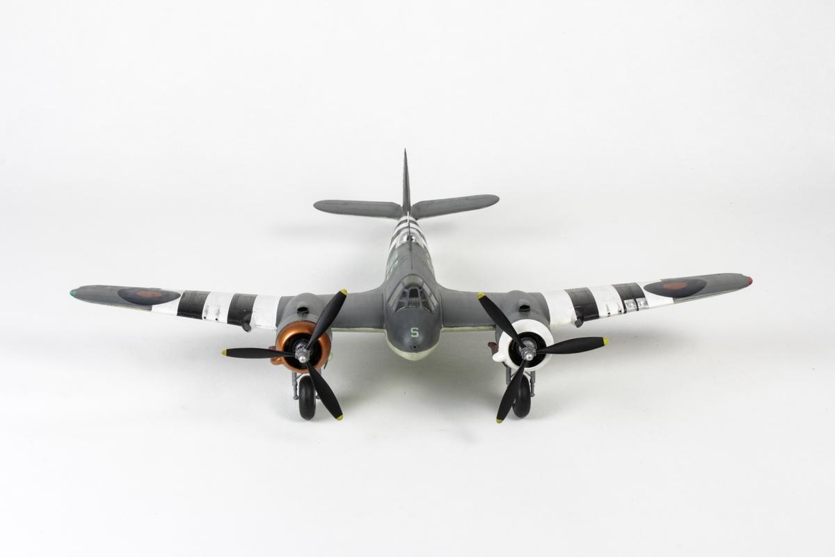 Modell av krigsfly fra 2. verdenskrig. Bristol Beaufighter