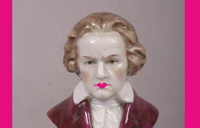 Beethoven_med_rosa_trut.JPG. Foto/Photo