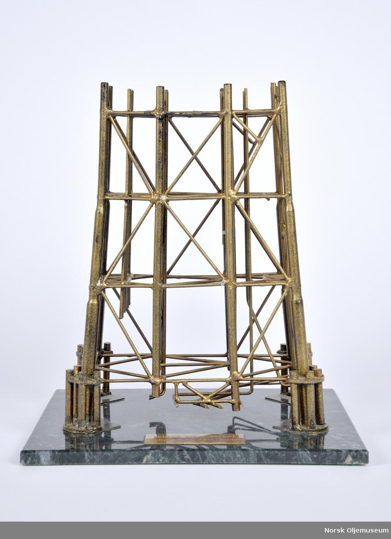 Modell av understellet til transport- og prosesseringsplattformen Ekofisk 2/4 J.
