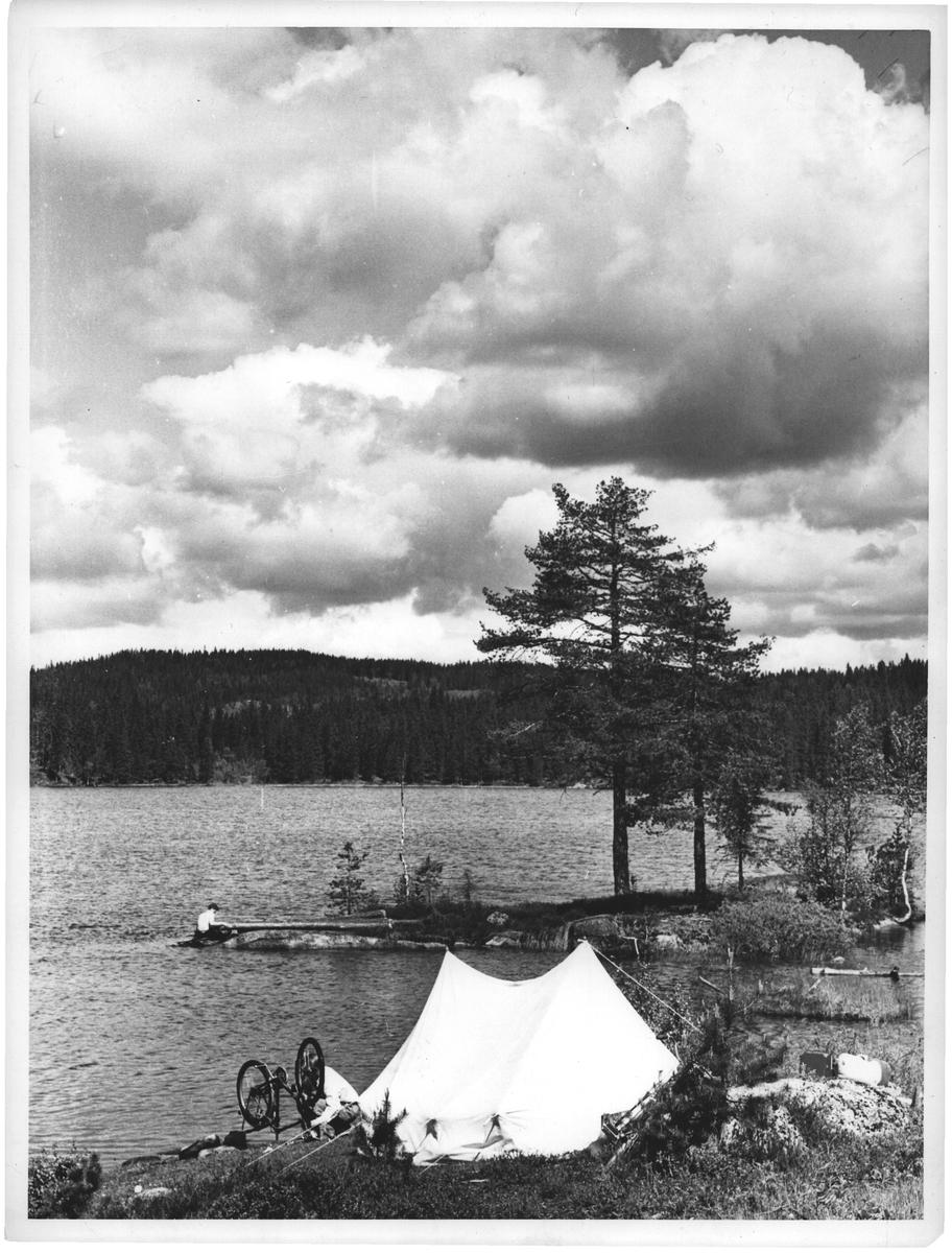 En fin leirplass ved Rotungen, Nordmarka