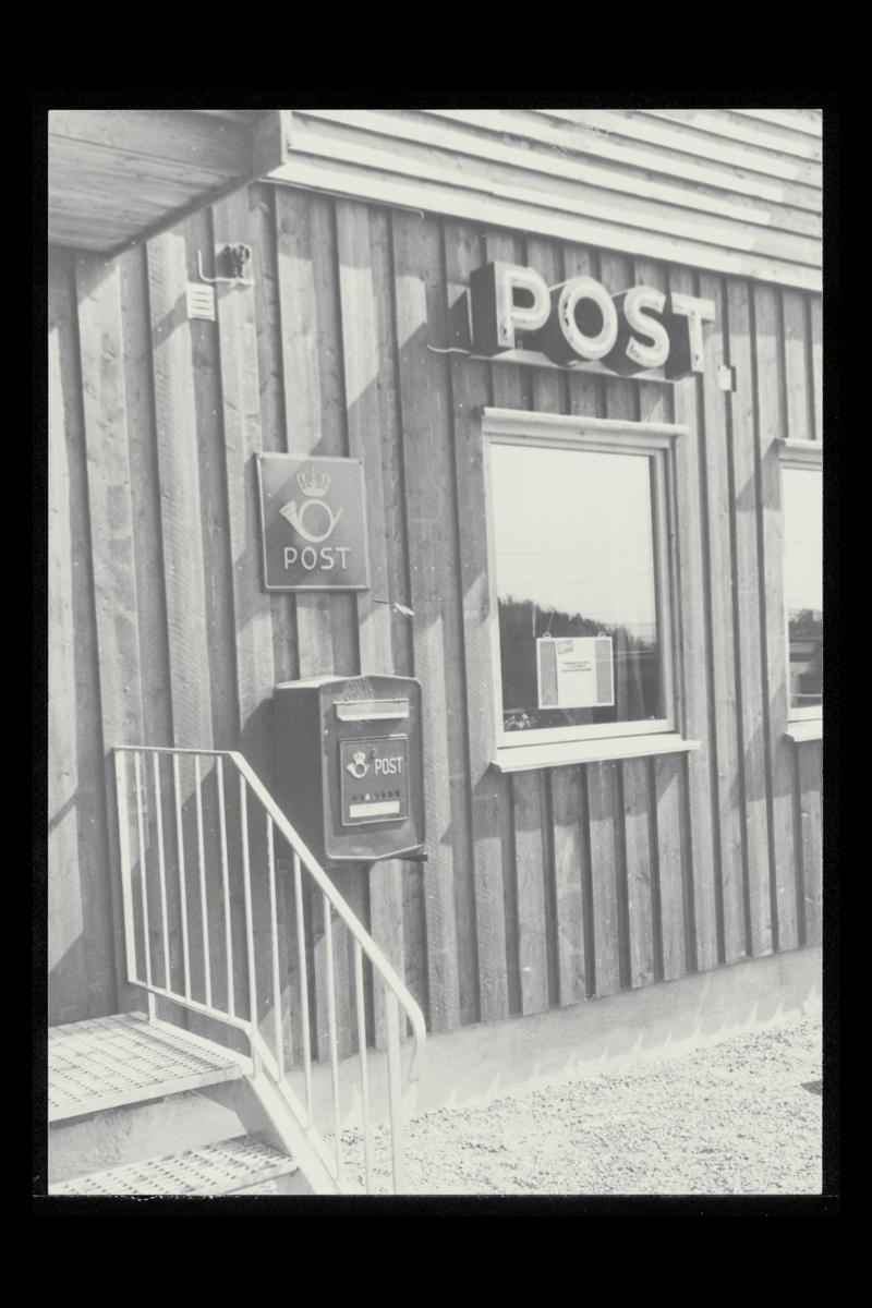 eksteriør, postkontor, 1344 Haslum, postkasse, postskilt