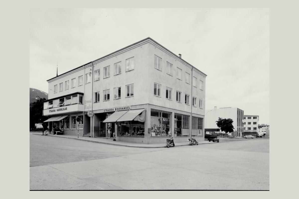 eksteriør, postkontor, 6200 Stranda