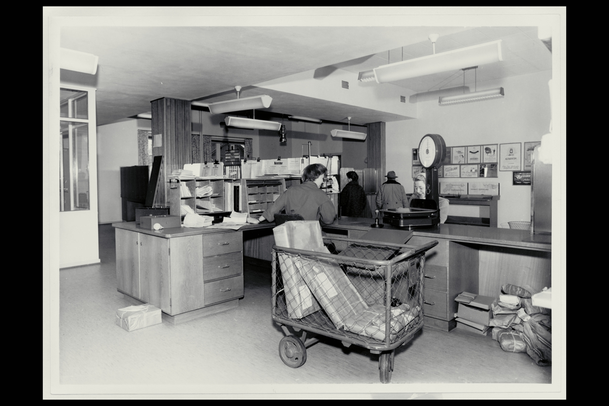interiør, postkontor, 2400 Elverum, kunde, vekt, pakker