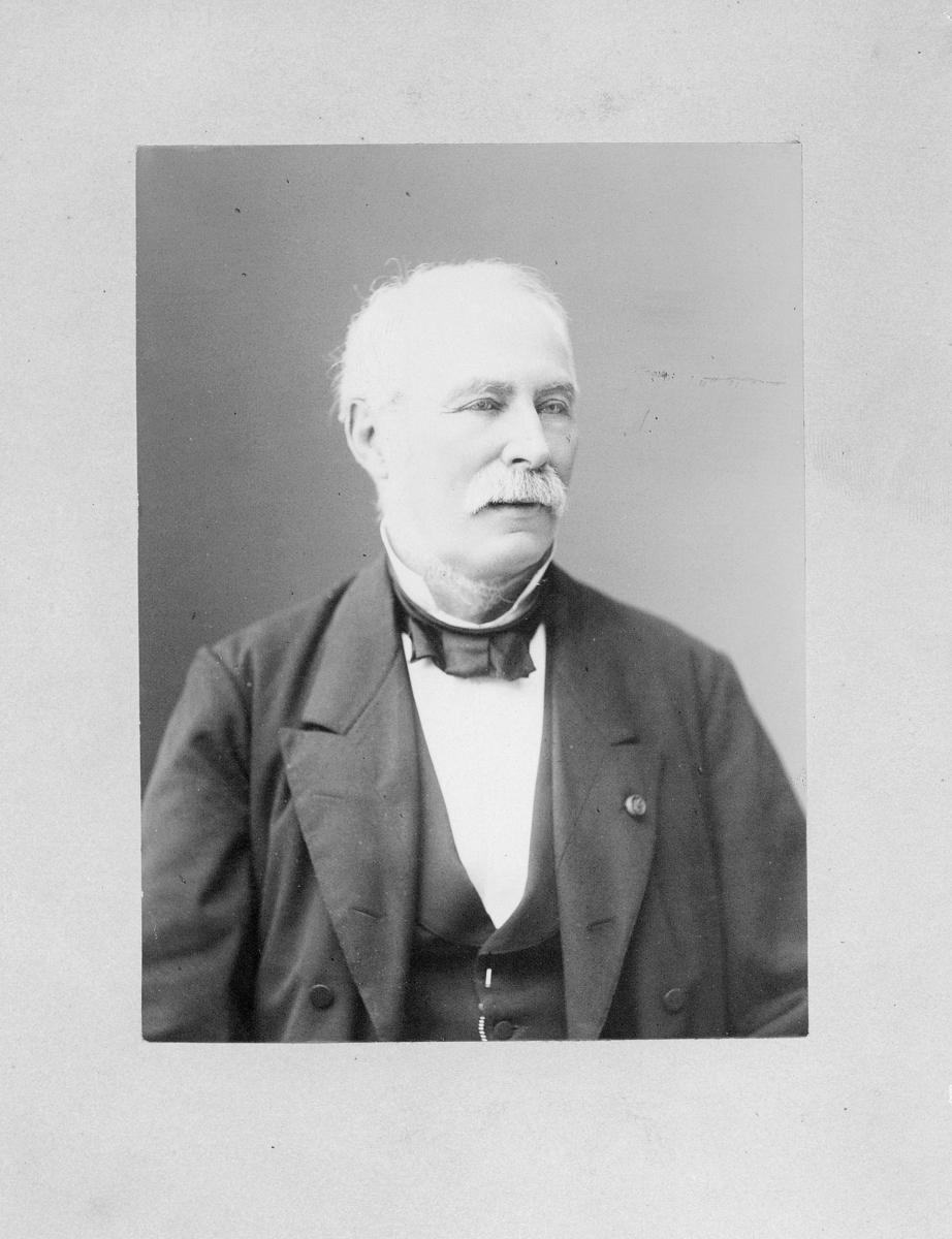 Dr., Broch Ole Jacob, portrett