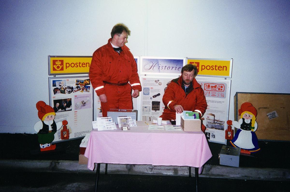 markedsføring, postkontor, Finnsnes, markedsavdelingen, to menn