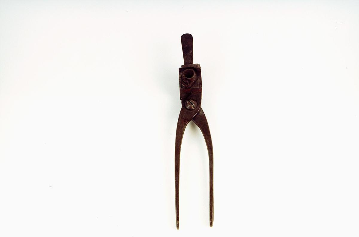Form til støping av blykuler til pistol