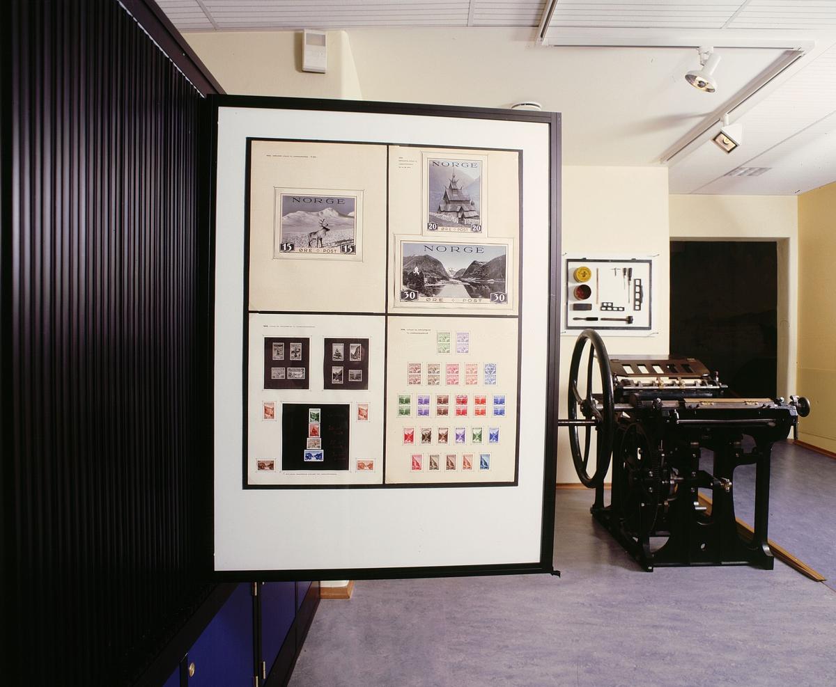 postmuseet, Kirkegata 20, utstilling, frimerkerommet, frimerkerammer, trykkpresse